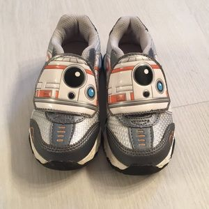 NWOT Star Wars toddlers shoes size 8